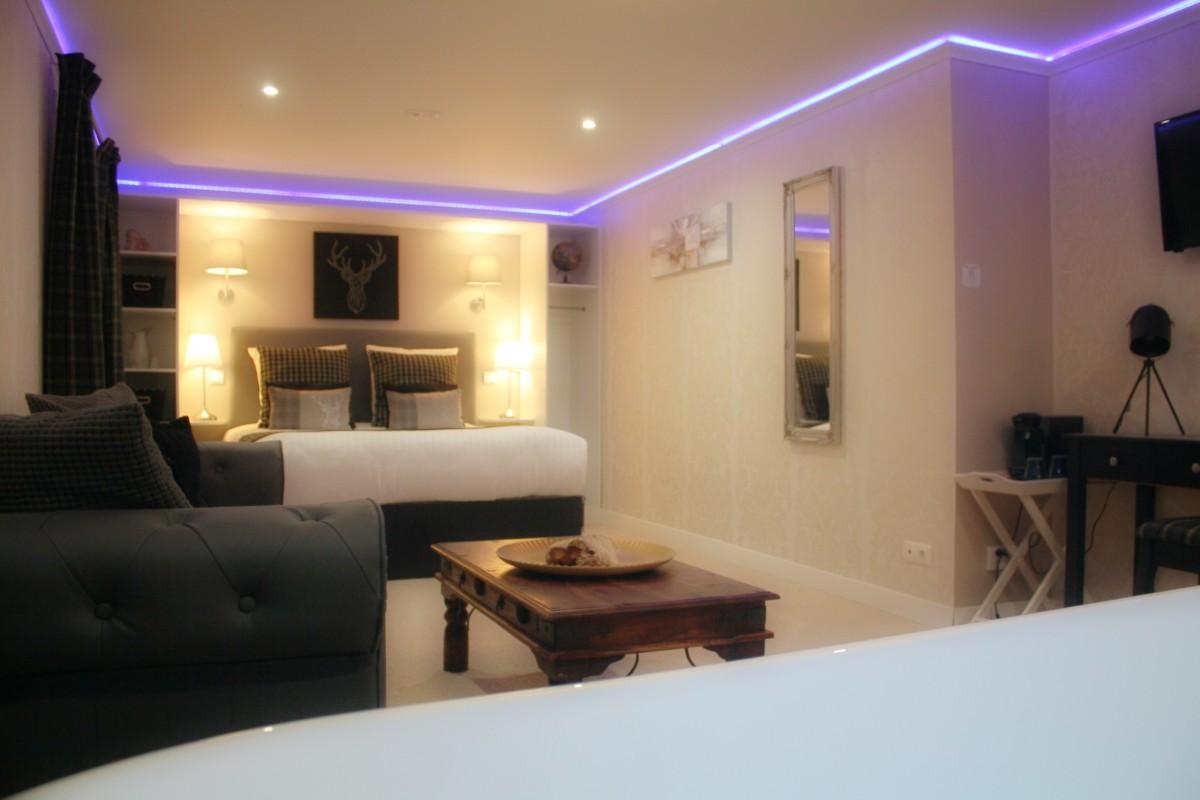 Hotel Chambre Luxe avec Spa Balneo Privatif en Auvergne & Puy-de-Dôme